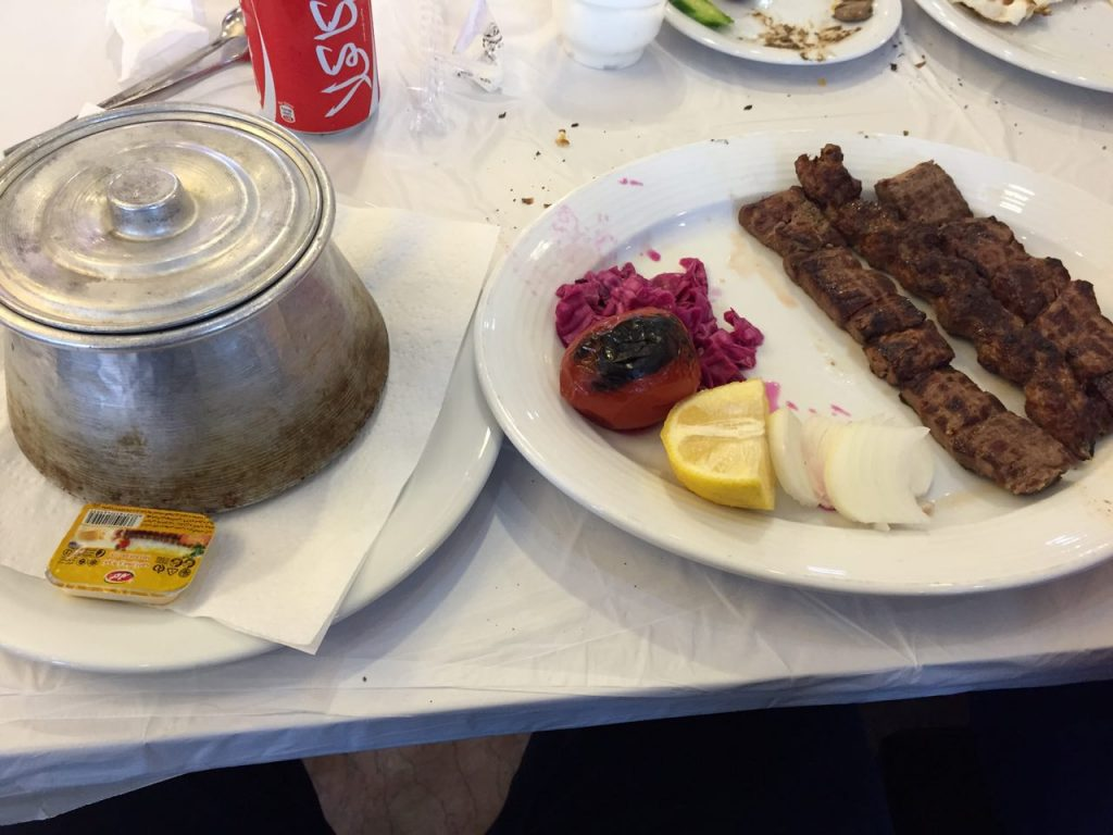 رستوران حاج محسن ایزدشهر