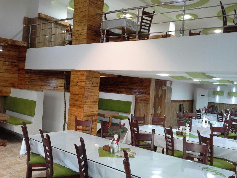 رستوران بلوط