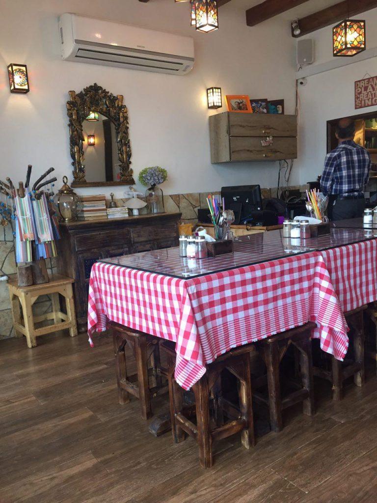 رستوران چوچاق در شهر رویان